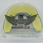 Royaume-Uni Warrior Protège-dents Gum Gum Guard–Idéal pour les sports de contact, arts martiaux, Rugby, Karaté, MMA, boxe, Hockey, Football–Étui de transport–Instructions pour bouillir & Bite–100% Garantie de Remboursement de la marque UK Warrior image 4 produit